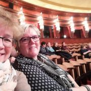 04-spontaner-Theaterbesuch